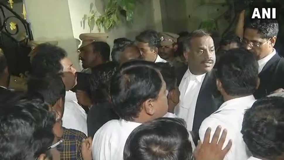 करुणानिधि के अंतिम संस्कार को लेकर मद्रास हाईकोर्ट में देर रात तक चली सुनवाई