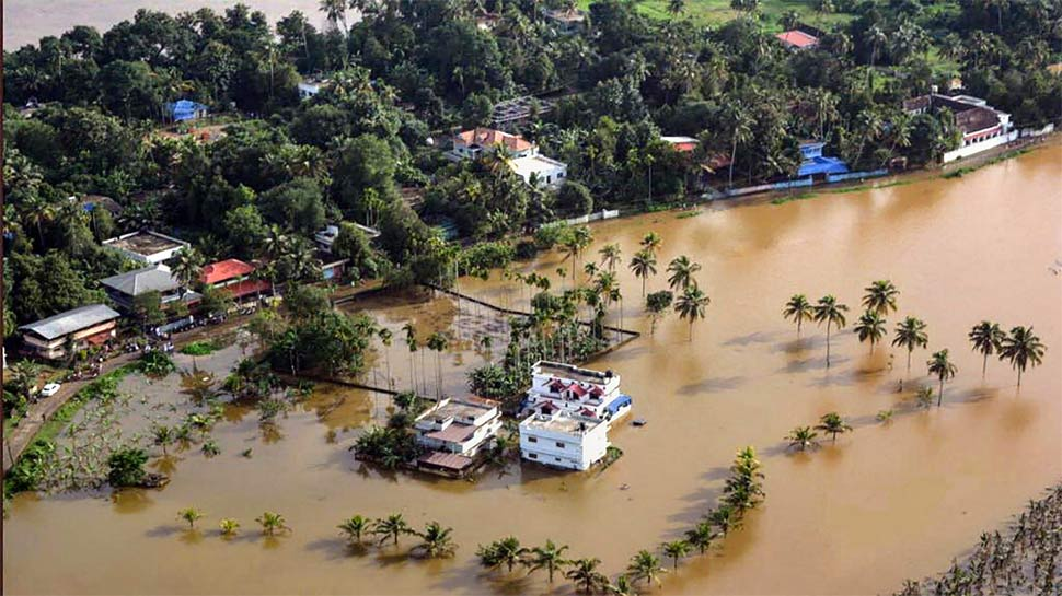 केरल के आधे हिस्से में बाढ़ से तबाही, 29 लोगों की मौत, 54,000 से ज्यादा बेघर
