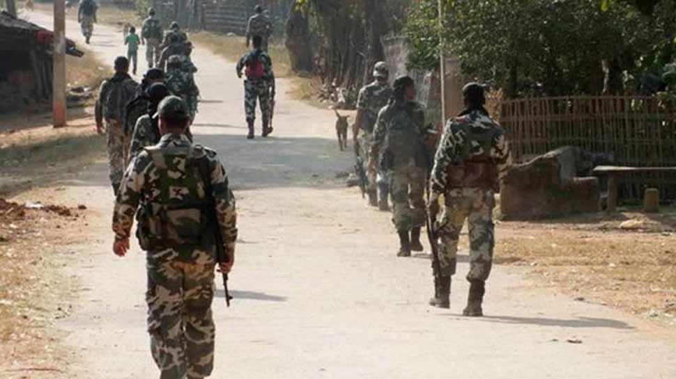 छत्तीसगढ़ में IED धमाके में आईटीबीपी के 2 जवान घायल, जम्मू-कश्मीर में 1 घायल
