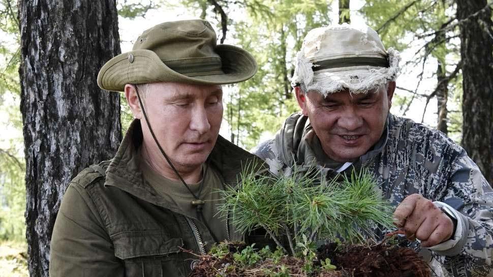 Vladimir Putin's Siberian hiking pictures