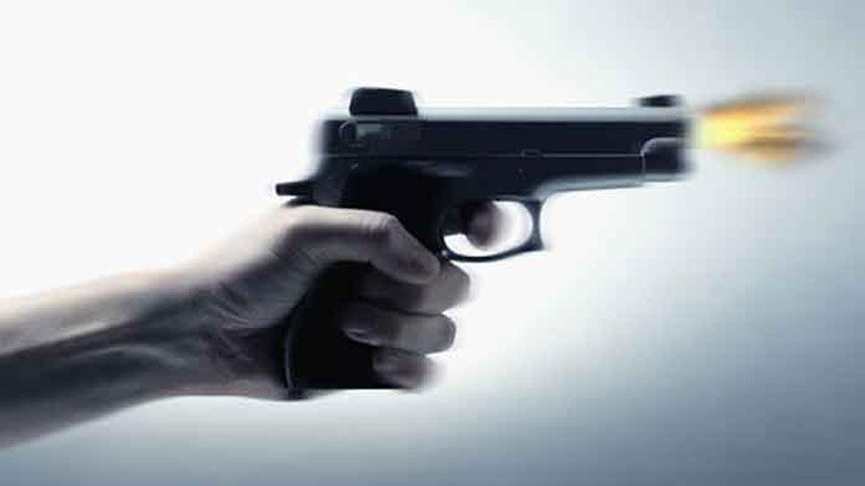 बिहार : गर्लफ्रेंड पर दावेदारी के चक्कर में युवक ने दोस्त पर चलाई गोली