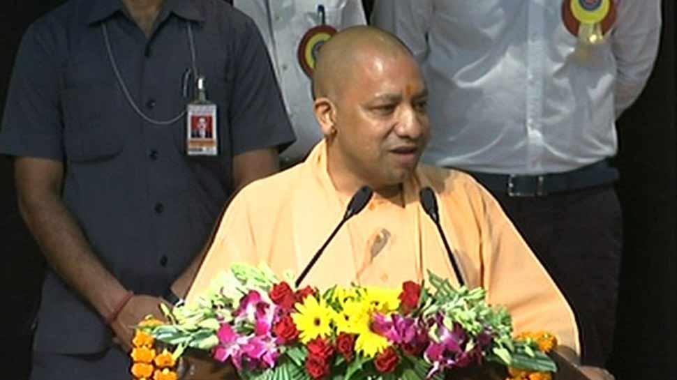 उत्तर प्रदेश में 97 हजार शिक्षकों के पद खाली, CM योगी बोले- 'हमारी प्रथामिकता मेरिट पर हो भर्तियां'