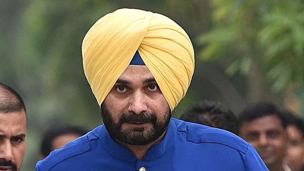 जानिए नवजोत सिंह सिद्धू ने क्यों कहा- 'पाकिस्तान के आगे नतमस्तक हूं'