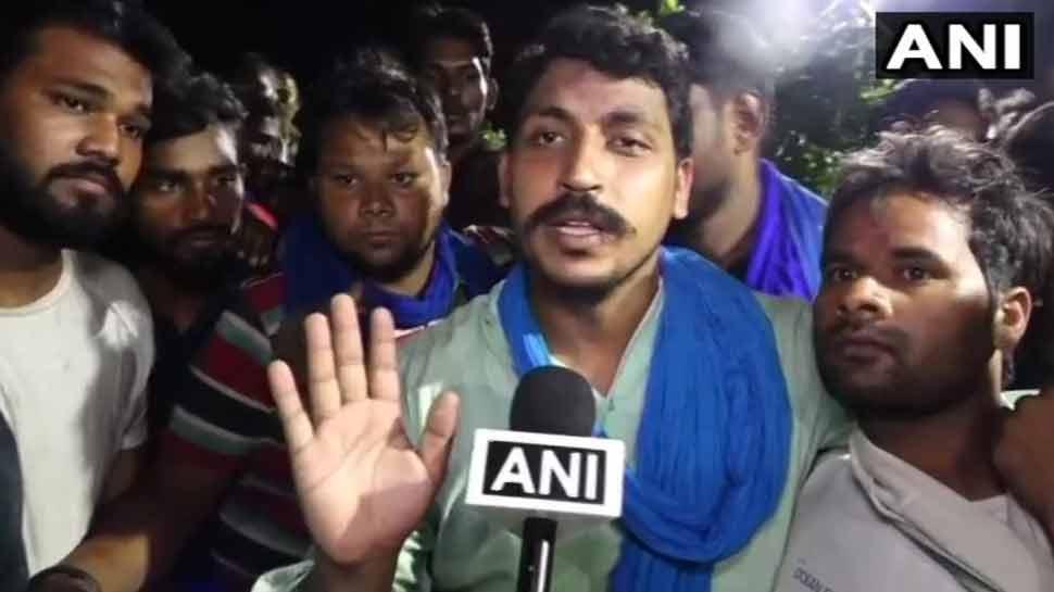 जेल से देर रात रिहा हुआ भीम आर्मी का चीफ चंद्रशेखर 'रावण', कहा- 'अब सरकार से सीधे लड़ेंगे लड़ाई'