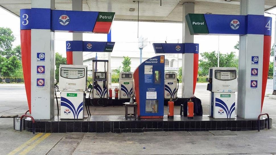 दिल्ली और मुंबई में पेट्रोल की कीमत में 10 पैसे/ली का इजाफा, रिकॉर्ड ऊंचाई पर डीजल