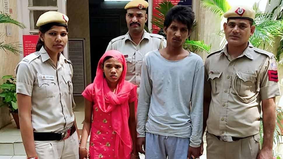 दिल्लीः पति चलाता था बाइक, पत्नी छिनती थी मोबाइल, पुलिस ने रंगे हाथ पकड़ा