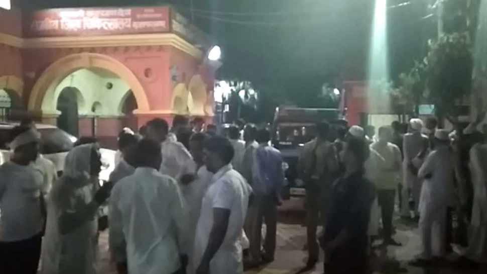 मुजफ्फरनगर: सड़क किनारे खड़े टैंकर पर कार ने मारी टक्कर, भाई-बहन समेत चार की मौत