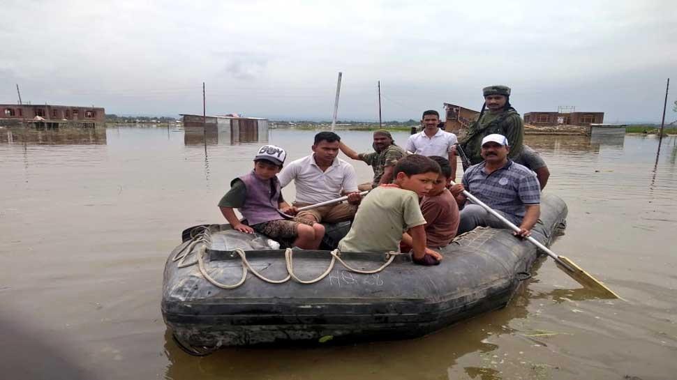 कठुआः भारी बारिश के बाद नदी-नालों के बीच फंसे 29 लोगों को सुरक्षित बाहर निकाला गया