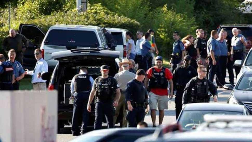 अमेरिका: पुलिसकर्मियों को निशाना बनाकर की गई गोलीबारी, एक की मौत