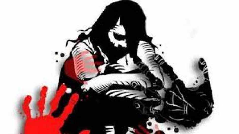 नाबालिग और उसकी मां से बलात्कार के आरोप में पुलिस कर्मियों सहित 18 के खिलाफ मामला दर्ज