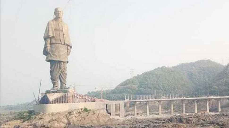 Sardar Vallabhbhai Patel's 'Statue of Unity' at Narmada bank being given final touches-1