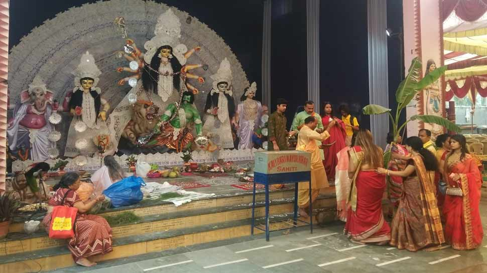 There are many programs in pandals