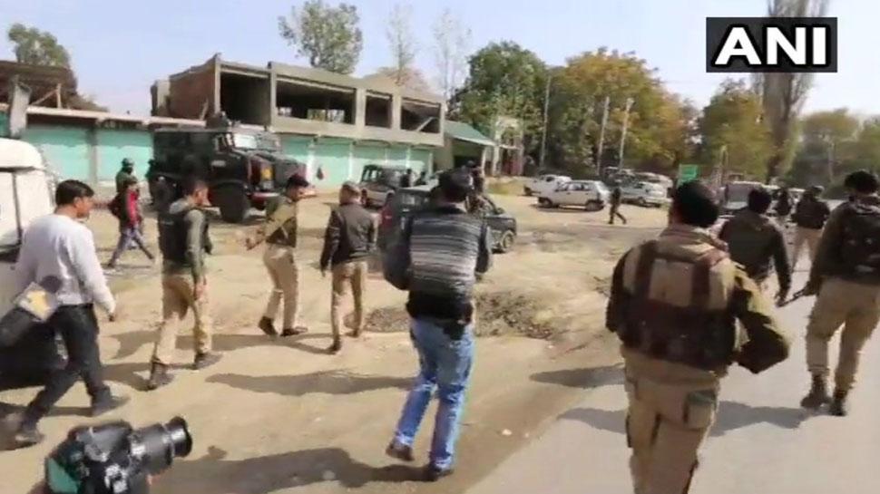 जम्मू-कश्मीर : बारामूला में पुलिस टीम पर आतंकी हमला, दो जवान घायल