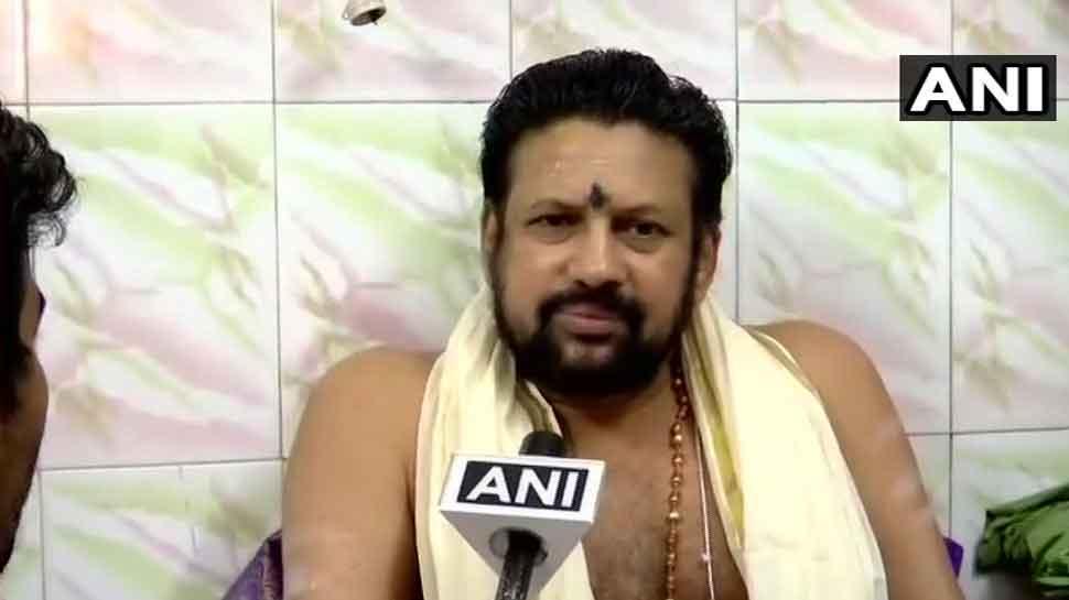 सबरीमाला : मंदिर के प्रमुख पुजारी बोले- 'कोर्ट सिर्फ कानून पर विचार करता है परंपराओं पर नहीं'