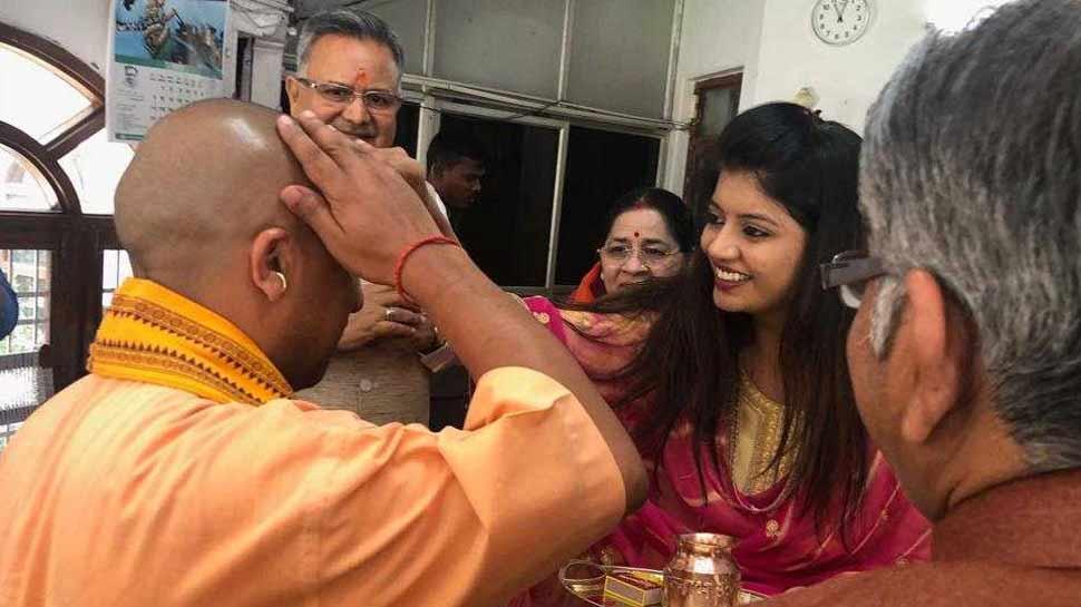 रायपुर पहुंचे CM योगी बोले- 'चौथी बार प्रचंड बहुमत से बनेगी BJP सरकार'
