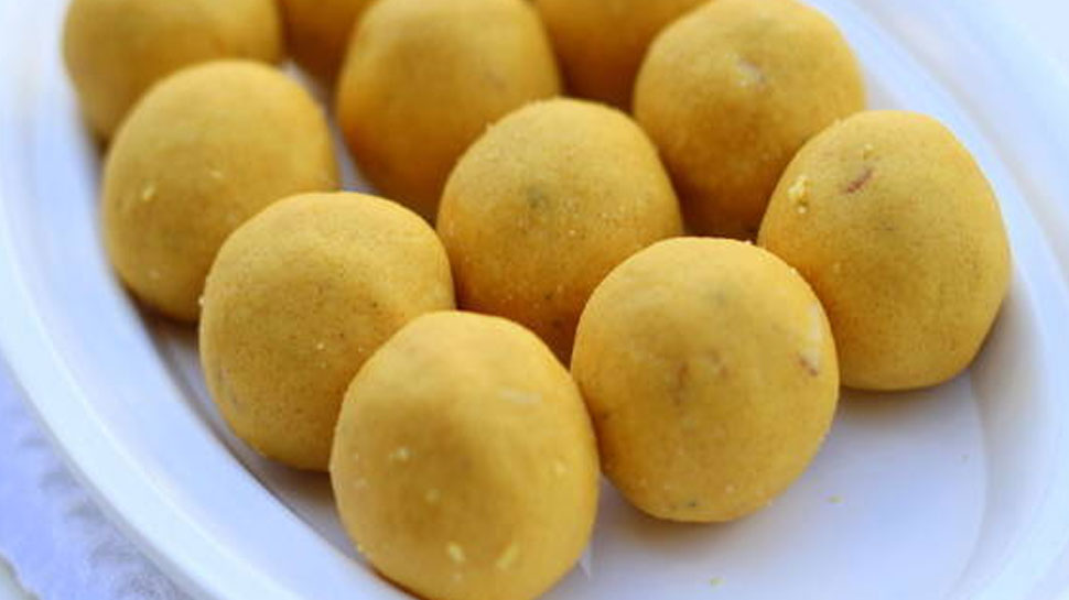 Right way to decorate laddoos