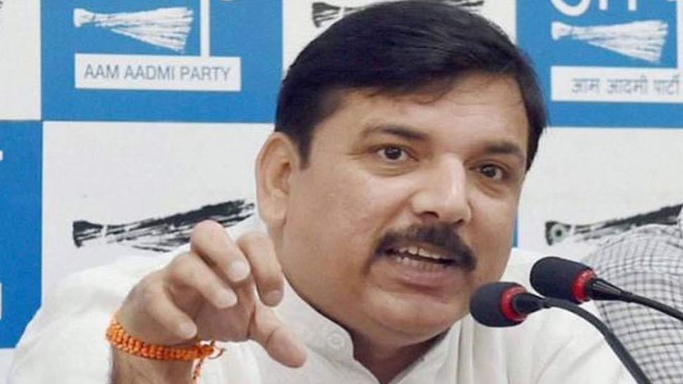 AAP ने कहा, 'मूर्तियों की बजाय सरकार शिक्षा और स्वास्थ्य पर ध्यान केंद्रित करें'