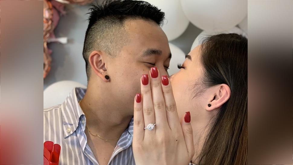 इस Engagement फोटो के पीछे की कहानी है बेहद मजेदार, सच्चाई जान आप भी हो जाएंगे हैरान