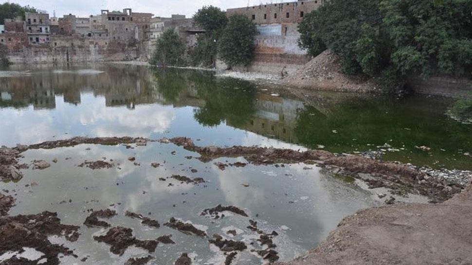 जोधपुर: तलाबा की सफाई न होने से नाराज हुए लोग, चुनावों का बहिष्कार करने की दी चेतावनी