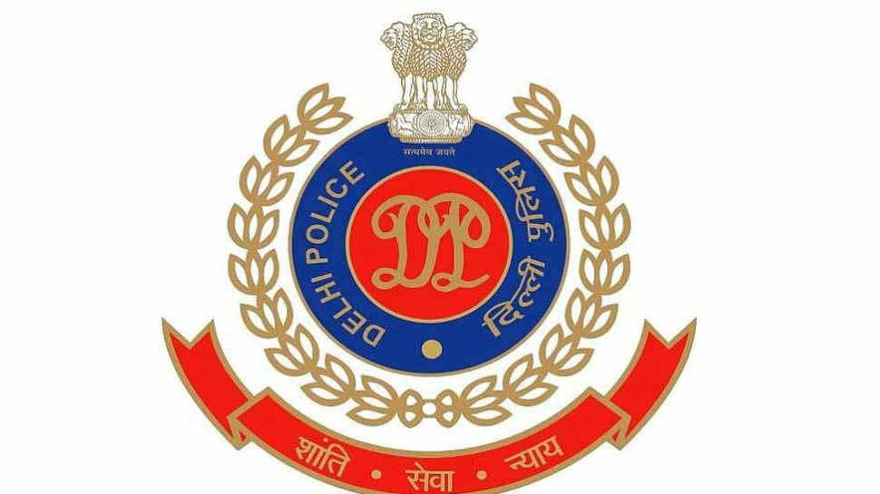 दिवाली पर पटाखों जलाने वालों पर दिल्ली पुलिस सख्त, 400 लोगों को किया गिरफ्तार