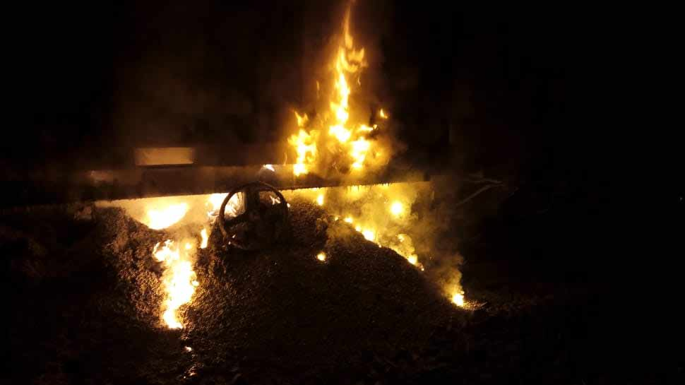 महाराष्ट्र में मालगाड़ी के डिब्बों में लगी आग, 10 ट्रेनें रद्द