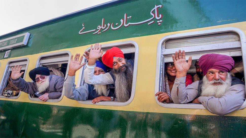 गुरु नानक जयंती: भारत से 3080 सिख श्रद्धालु पहुंचे पाकिस्तान