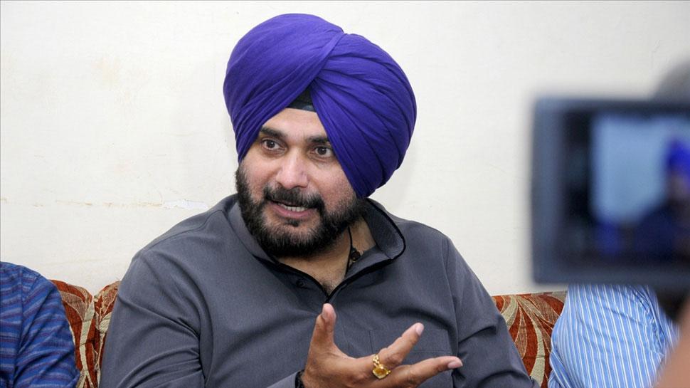 'मेयर को ठोको' वाले बयान पर बुरे फंसे नवजोत सिंह सिद्धू, बीजेपी नेत्री ने लिया आड़े हाथ