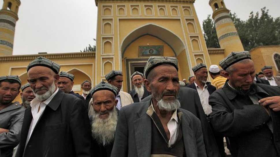 चीन मुस्लिमों के घर में भेज रहा है अपने जासूस, खाने-पीने और बेडरूम तक पर नजर