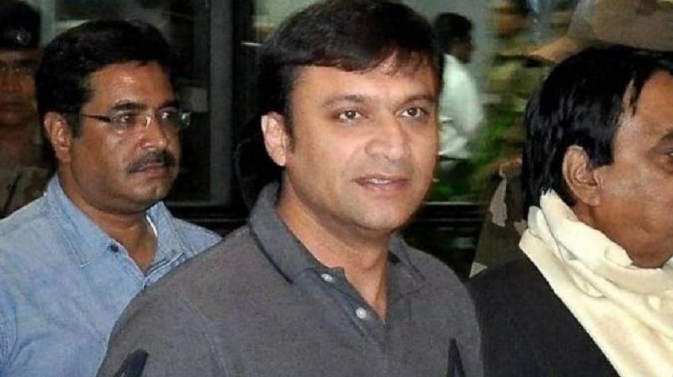 विधानसभा चुनाव का पहला नतीजा आया, हैदराबाद से AIMIM के अकबरुद्दीन ओवैसी जीते