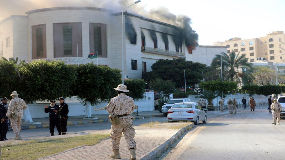 लीबिया : विदेश मंत्रालय के हेडक्वार्टर को ISIS ने बनाया निशाना, धमाकों से गूंजा शहर