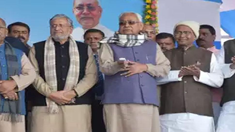 बिहारः कोसी नदी पर बने बीपी मंडल सेतु का नीतीश कुमार ने किया उद्घाटन