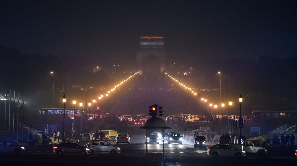 दिल्ली: नए साल का जश्न मनाने इंडिया गेट पर उमड़े 75 हजार से ज्यादा लोग