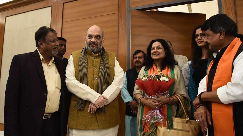 मिशन 2019: लोकसभा चुनाव से पहले दिग्गज अभिनेत्री मौसमी चटर्जी BJP में शामिल
