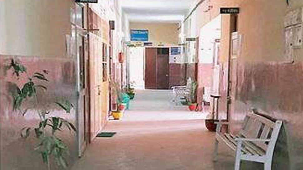 सरदारशहर: डॉक्टरों की कमी से बीमार हुआ अस्पताल, धूल फांक रही हैं मशीनें