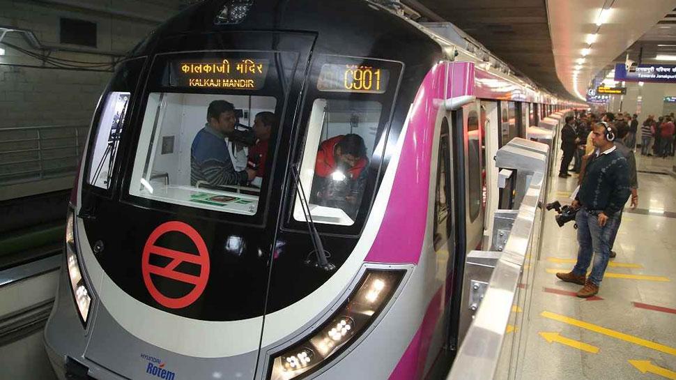 अब दिल्ली मेट्रो में नहीं होगी मोबाइल नेटवर्क की समस्या, DMRC कर रही ये काम