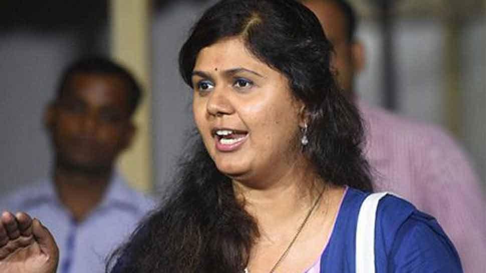 महाराष्ट्र: शिवसेना के बाद BJP की कैबिनेट मंत्री ने बढ़ाई CM फडणवीस की मुश्किलें