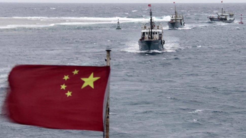 दक्षिण चीन सागर से गुजरा अमेरिकी युद्धपोत, चीन ने भड़कते हुए कहा- खराब मत कीजिए रिश्ते