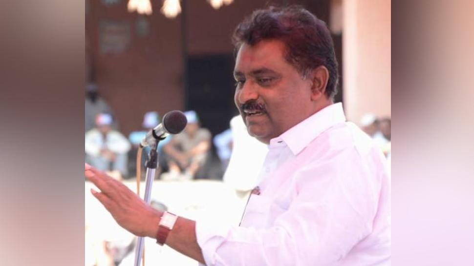 VIDEO : बीजेपी विधायक के बिगड़े बोल, कहा- पति महाराष्ट्र में रहता और बच्चे पैदा हो जाते हैं बिहार में