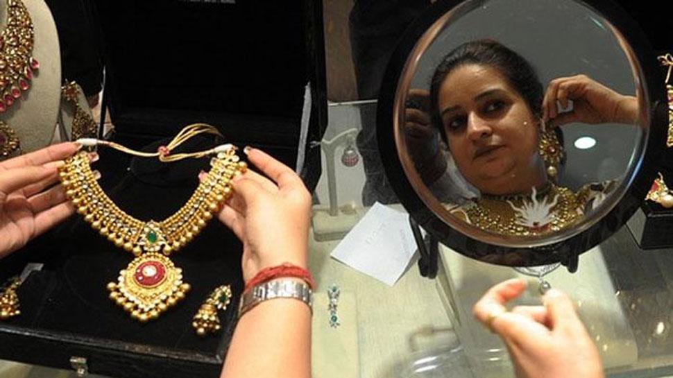 Gold Silver Price: शादी के सीजन में सोने में तीसरे दिन तेजी, चांदी भी जबरदस्त उछाल