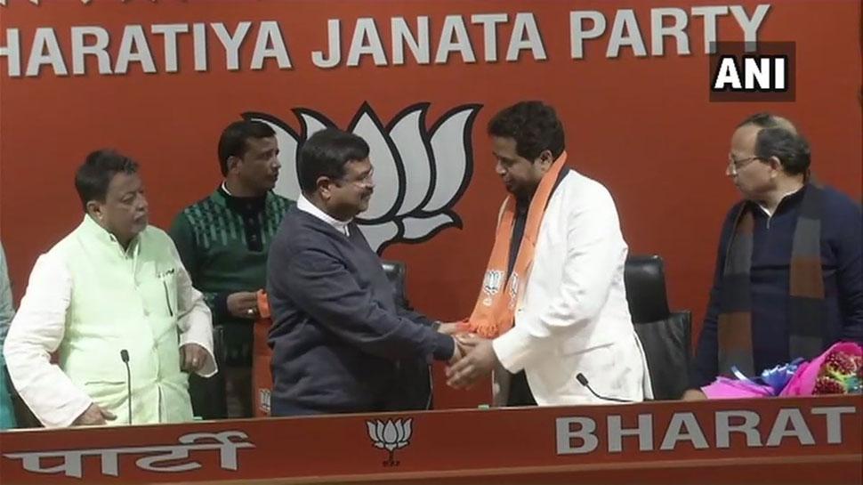 लोकसभा चुनाव से पहले ममता को लगा दोहरा झटका, एक सांसद ने BJP का थामा दामन तो दूसरा निलंबित