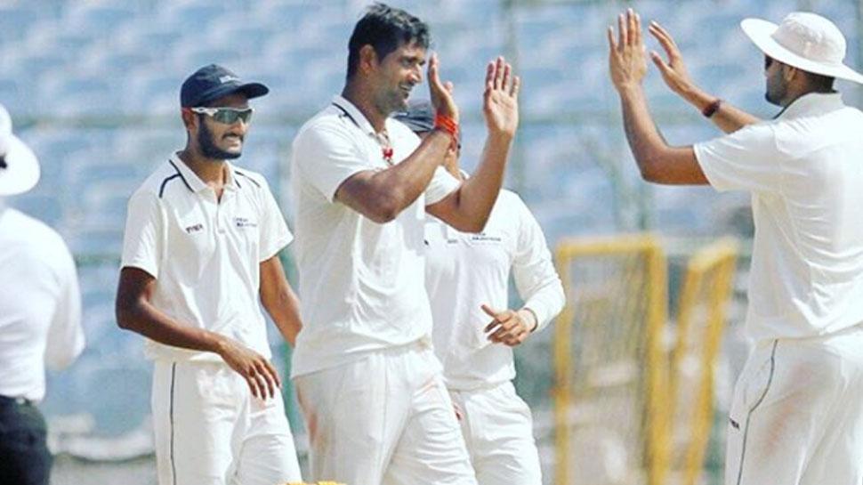 रणजी ट्रॉफी: कपिल-जहीर-बुमराह नहीं, यह गेंदबाज है देश का बेस्ट मीडियम पेसर