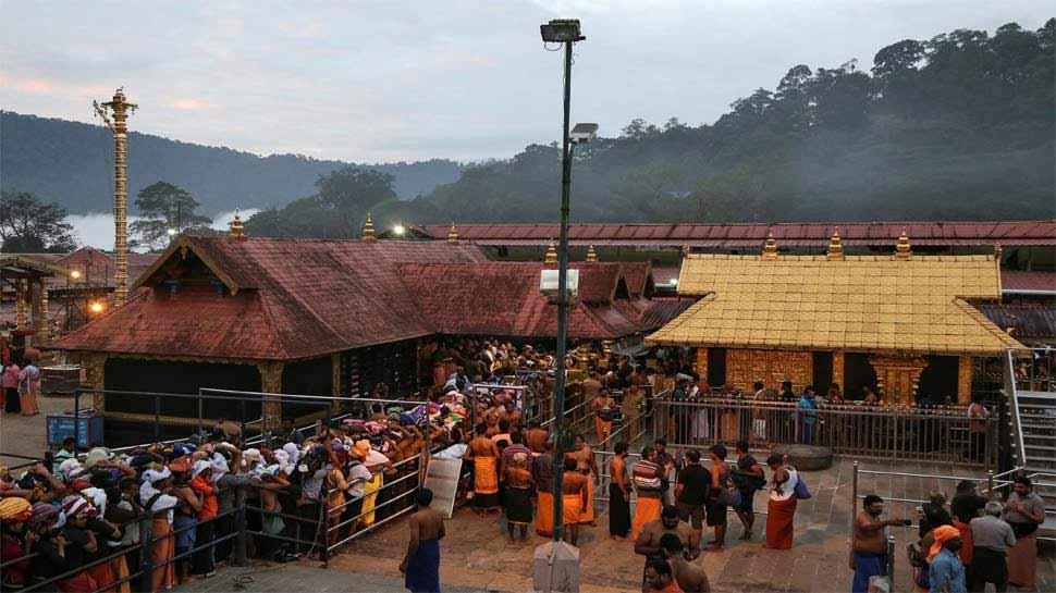 केरल: 36 वर्षीय महिला ने सबरीमला मंदिर में प्रार्थना करने का किया दावा