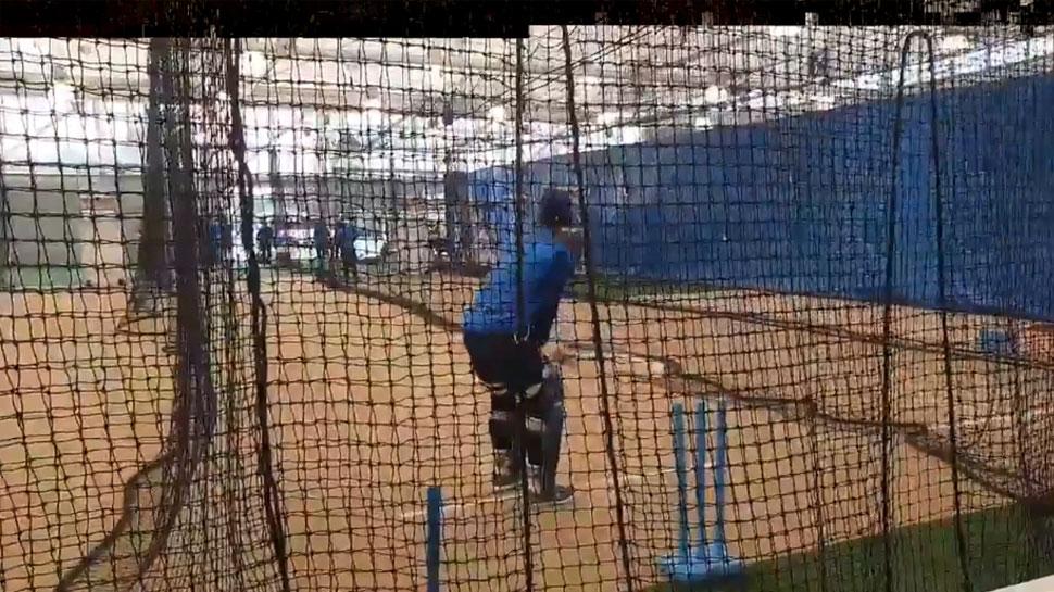 VIDEO: टीम इंडिया को करना पड़ा इंडोर अभ्यास, कहीं बारिश सिडनी वनडे का भी न बिगाड़ दे खेल