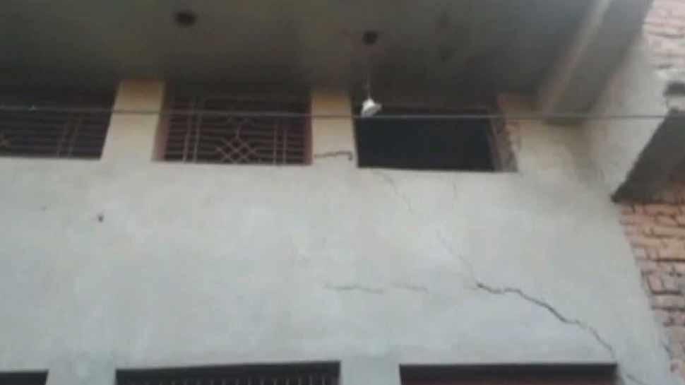 अलीगढ़: फैक्ट्री में तेज धमाके के साथ फटा गैस सिलेंडर, 2 की मौत 3 घायल