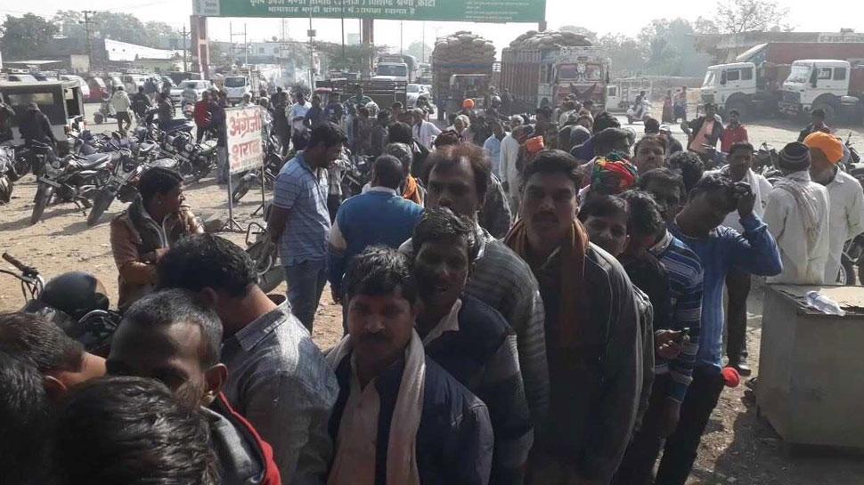 राजस्थान: यूरिया की कमी से अब भी किसान परेशान, खराब होने की कगार पर फसलें