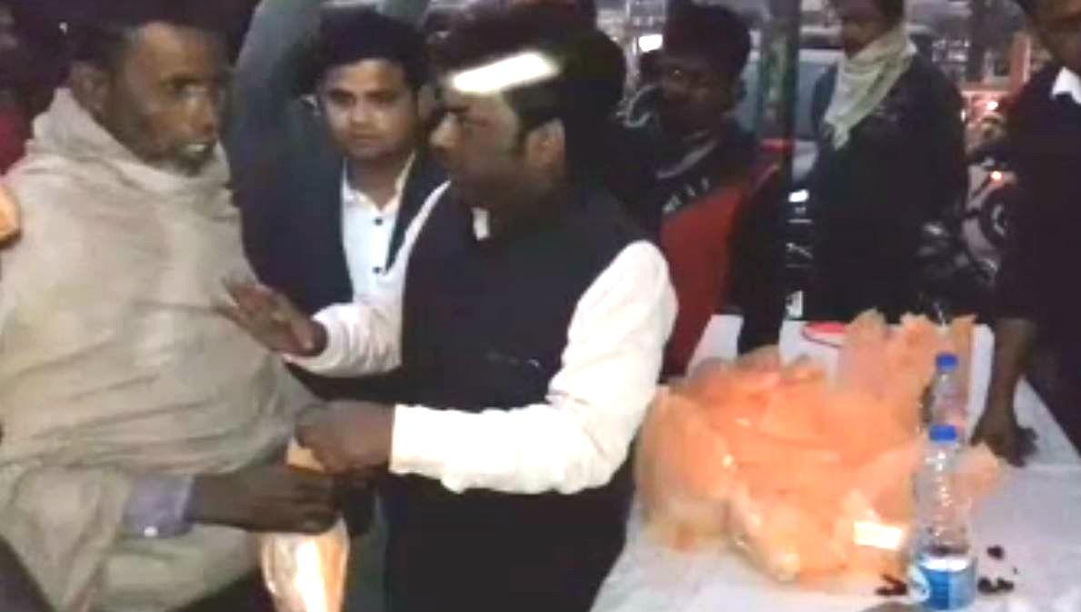गोपालगंज में अब भूखा नहीं सोएगा कोई भी जरूरतमंद, युवाओं ने शुरू किया 'रोटी बैंक'
