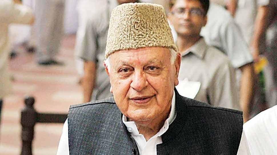 फारूक अब्दुल्ला बोले, 'कश्मीर मुद्दे पर केंद्र को हुर्रियत के साथ बातचीत करनी चाहिए'