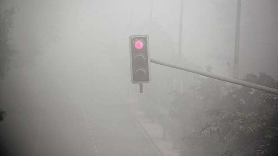 उत्तरी मैदानी इलाकों में बारिश से बढ़ेगी ठंड, दिल्ली में घना कोहरा बढ़ाएगा प्रदूषण