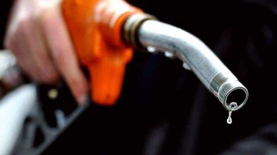 लगातार चार दिन से बढ़ रही पेट्रोल-डीजल की कीमतें, आपकी जेब पर पड़ा इतना असर