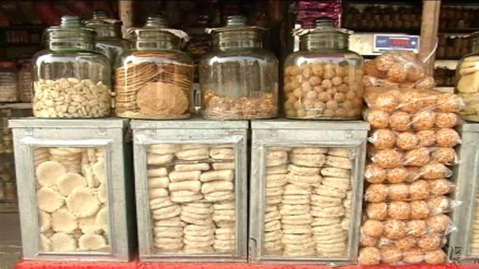 झारखंड : मकर संक्रांति को लेकर सज गया बाजार, शुगर फ्री तिलकुट है खास